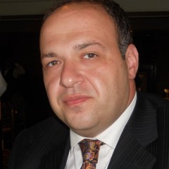SAFAVIEH NAMES VLAHOPOULOS TO NEW SALES POST
